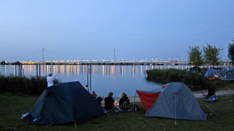 Zonsondergang op Camping Zeeburg NL-kamperen
