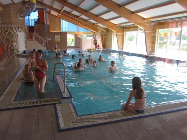 Overdekt zwembad NL-kamperen